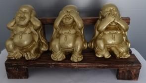 Boeddha's op bankje